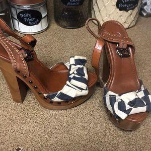 Jessica Simpson chunk heels